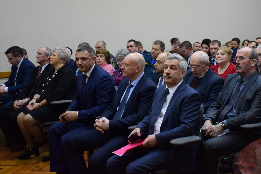20 марта 2019 года глава администрации Волосовского муниципального района Василий Васильевич Рыжков озвучил результаты работы в 2018 году.